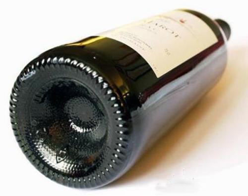 图解:葡萄酒瓶底为何是凹进去的?