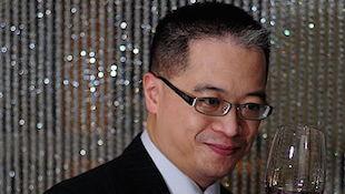 邝英志:排名最高的华人品酒师