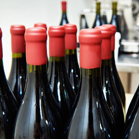 实用 |如何开启一瓶蜡封的葡萄酒?