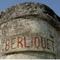 香奈儿集团在波尔多拥有卡农酒庄(Château Canon)和鲁臣世家(Rauzan-Ségla)等名庄,现又将圣埃美隆的历史名庄Château Berliquet收入麾下。