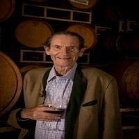 SANTA LUCIA酒庄创始人NICKY HAHN逝世