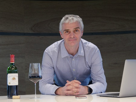 Martin Brown辞去Wine-Searcher 公司CEO 职务,继任者Julian Perry