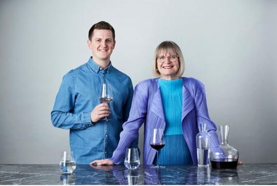 """简西斯•罗宾逊(MW)推出""""万能葡萄酒杯""""---适用于所有类型葡萄酒!"""