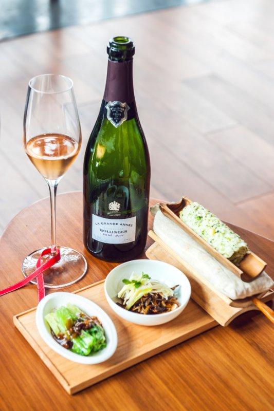 法国香槟酒跨越廊桥牵手蓉城美食