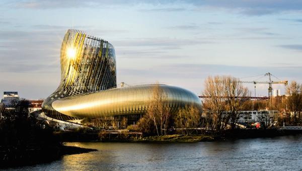 光影 | 一家优雅又不失科技感的葡萄酒博物馆到底长什么样?
