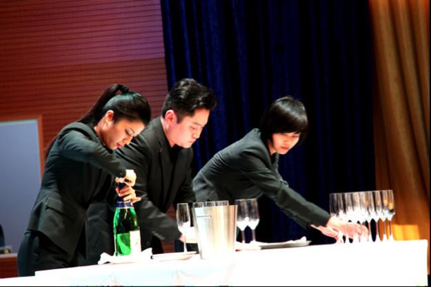 分区赛冠亚季军名单出炉 —— 2016第5届中国青年侍酒师酒水服务培训与团队大赛!