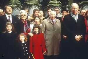 深扒 | 法国总统马克龙前东家——罗斯柴尔德家族的葡萄酒帝国