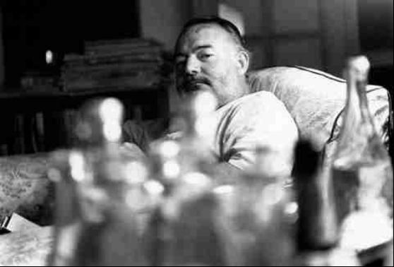 """""""老人与酒"""",有一种人生叫做海明威"""