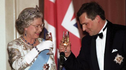揭秘 | 英国女王、法国国王、俄国沙皇…欧洲王公贵族爱喝什么香槟?