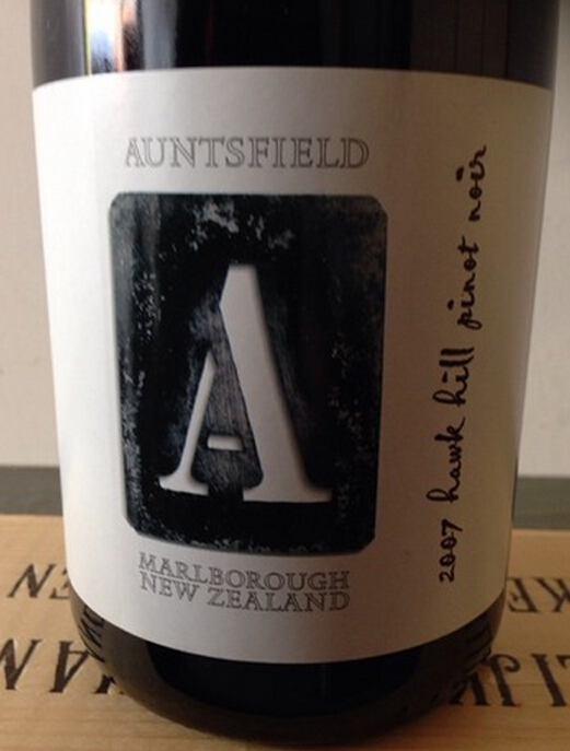 """昂兹菲尔德""""鹰山""""黑皮诺干红Auntsfield 'Hawk Hill' Pinot Noir"""