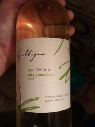 阿帕塔瓜格兰维莱诺长相思干白Apaltagua Gran Verano Sauvignon Blanc