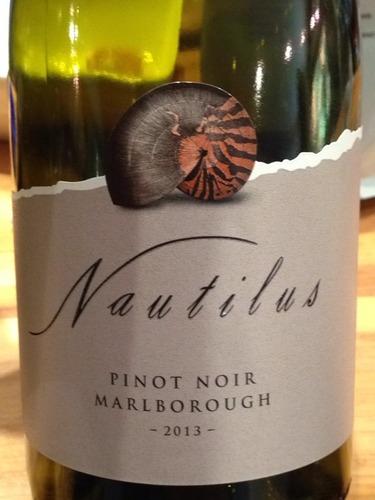鹦鹉螺庄园马尔堡黑皮诺红葡萄酒Nautilus Estate Pinot Noir